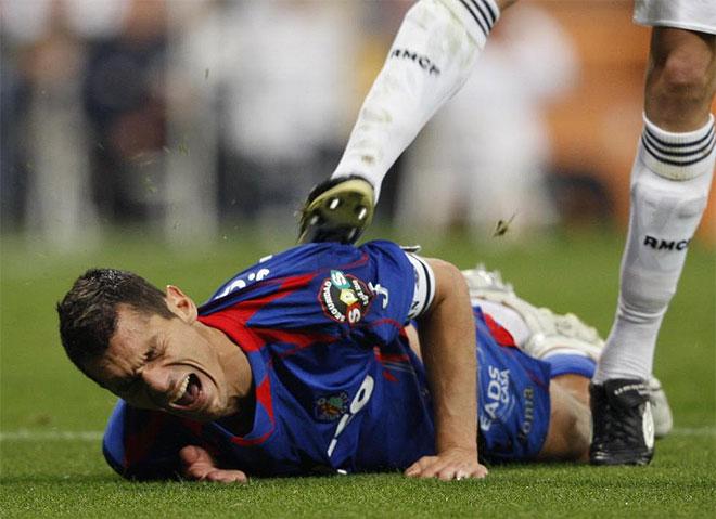 Pepe le da una patada a Casquero
