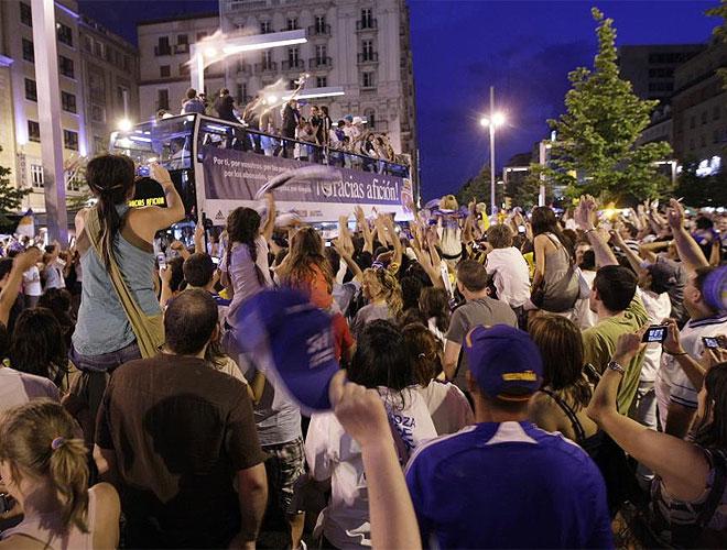 Zaragoza se ech� a la calle