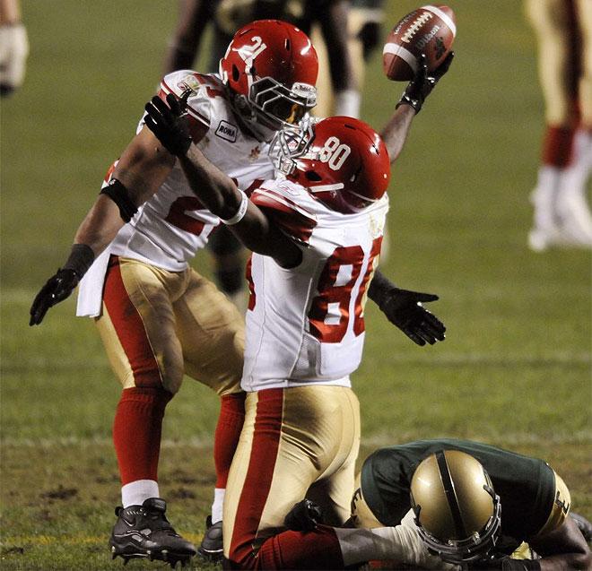 Reynolds y Copeland celebran un touchdown