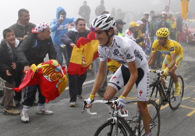 Miles de aficionados presenciaron en vivo y en directo la ascensi�n del Tourmalet y muchos de ellos eran espa�oles que hab�an acuidado para animar a Alberto Contador.