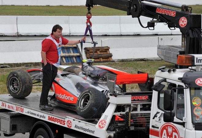 El piloto ingl�s no tuvo su d�a y se estrell� en la primera sesi�n de entrenamientos libres en Hockenheim.