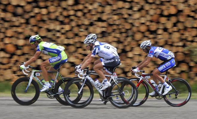 Oss, Vaugrenard, Breschel y Pineau protagonizaron la escapada de la jornada. El que lleggó más lejos fue el italiano Oss, pero a cuatro kilómetros de meta, su sueño se terminó.
