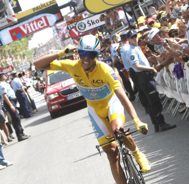Contador lo dio todo hasta el final, incluso despu�s de pasar la meta, y lo celebr� con rabia.