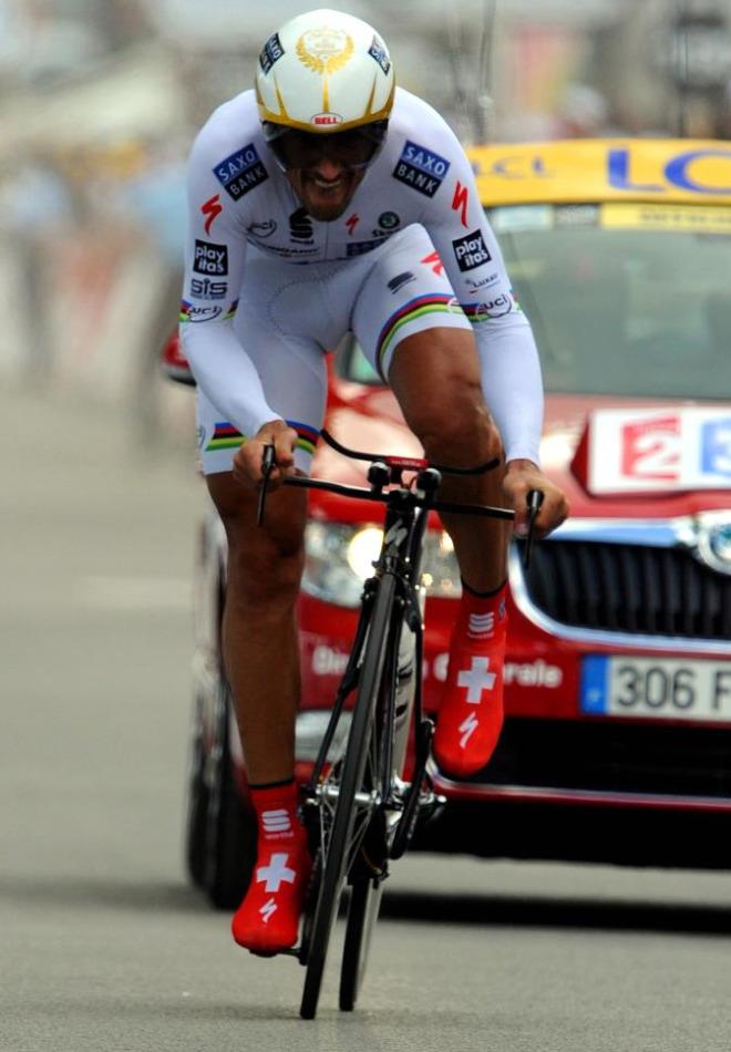 Fabian Cancellara volvi� a demotrar que no tiene rivales en las luchas contra el reloj y pulveriz� el registro de todos los dem�s.