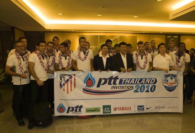 El Atlético de Madrid se encontró un caluroso recibimiento a su llegada a Bangkok para disputar un encuentro amistoso en la capital tailandesa.