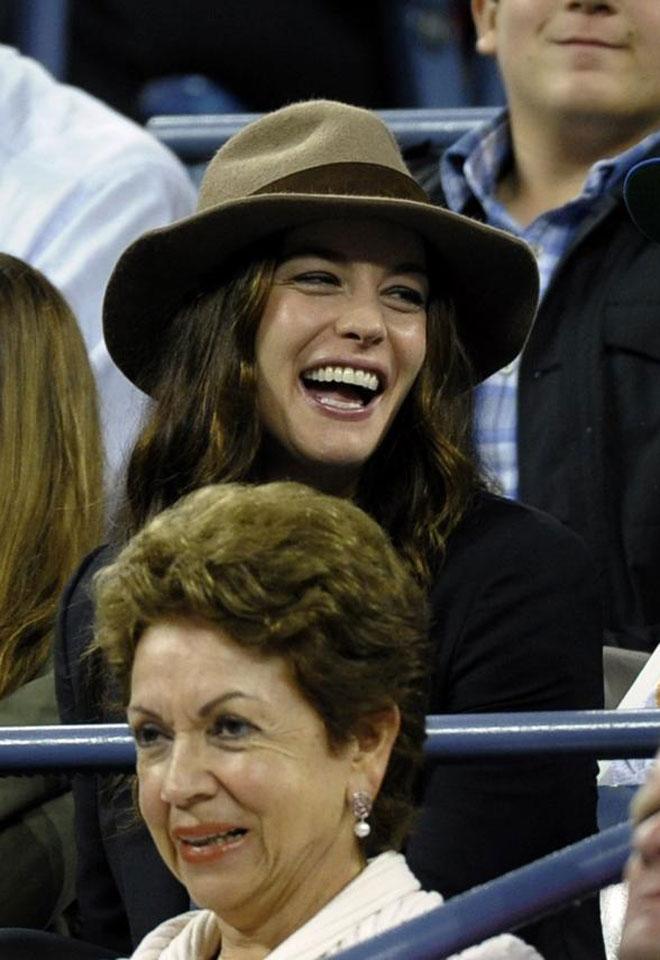 La actriz Liv Tyler, famosa por su papel de Arwen en el Se�or de los Anillos, parece que disfrut� de lo lindo en la final del US Open.