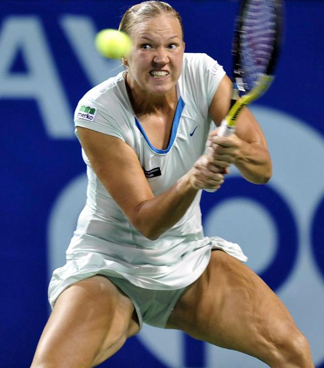 La estonia Kaia Kanepi demostró que fuerza no le falta a la hora de jugar al tenis.