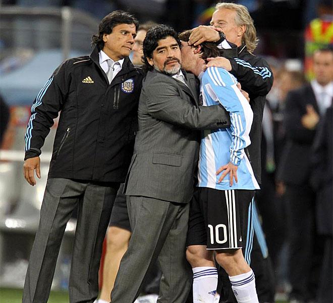 Di St�fano no pudo repetir la gesta con Argentina desde el banquillo y su experiencia como seleccionador en el Mundial de Sud�frica termin� en cuartos de final.