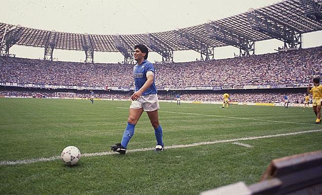 De 1984 a 1991 permaneci� el Pelusa en el conjunto napolitano. Dos Scudettos, una Copa y una Supercopa fueron sus logros con el club italiano.