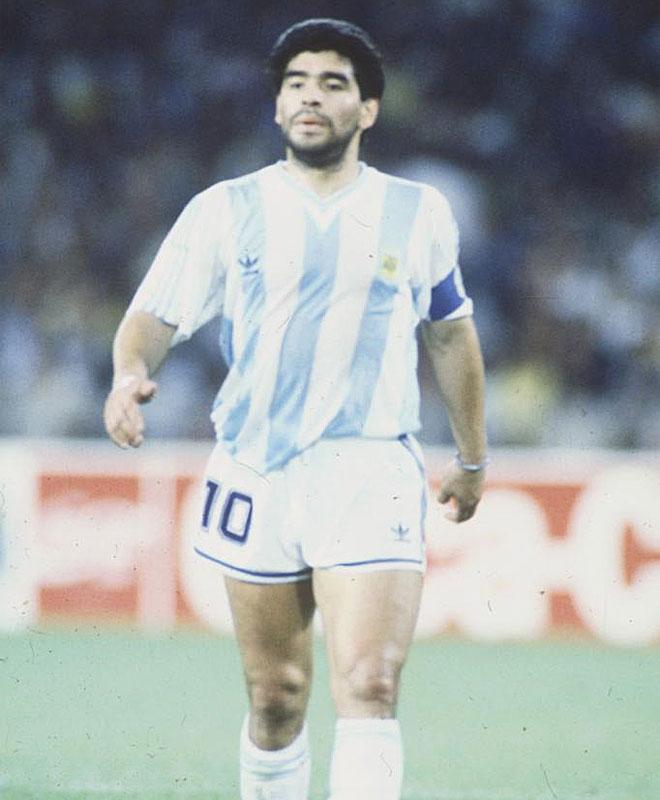Maradona triunf� con su selecci�n en el Mundial de 1986 y estuvo a punto de repetir �xitos cuatro a�os despu�s, en Italia'90