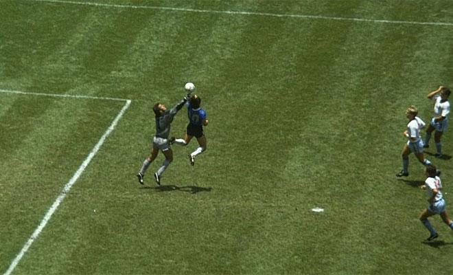 El gol, con la mano, de Maradona ante Inglaterra en cuartos de final forma parte de la historia del f�tbol. La repercusi�n de ese tanto fue y sigue siendo impresionante.