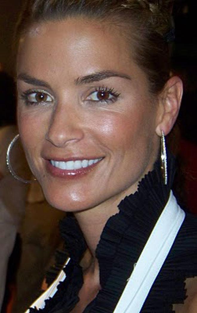 Eva Longoria ha solicitado el divorcio de Tony Parker por las infidelidades del base con Erin Barry, esposa de su compa�ero de equipo Brent Barry.