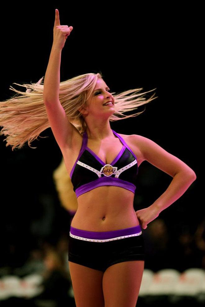 Pau Gasol fue el gran protagonista del triunfo de los Lakers ante los Warriors gracias a su partido perfecto.
