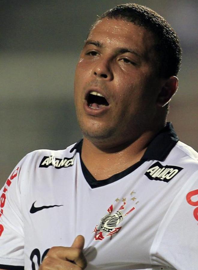 Ronaldo, est� o no en forma, jug� el partido del Corinthians ante el Tolima de la Copa Libertadores.