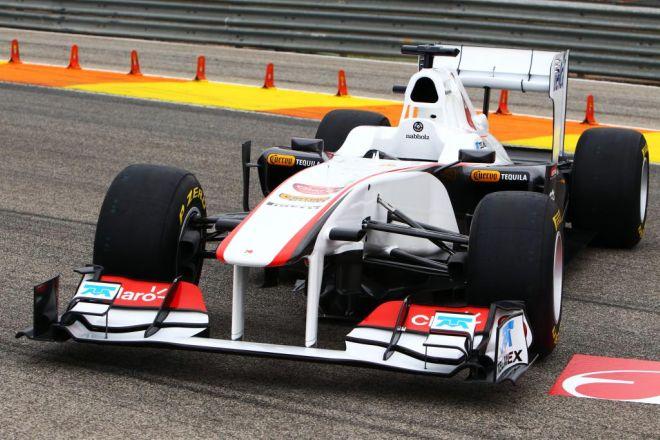 El C30 volverá a estar propulsado por un motor Ferrari, del mismo modo que el KERS, el sistema de recuperación de energía cinética, será aportado por la escudería de Maranello.