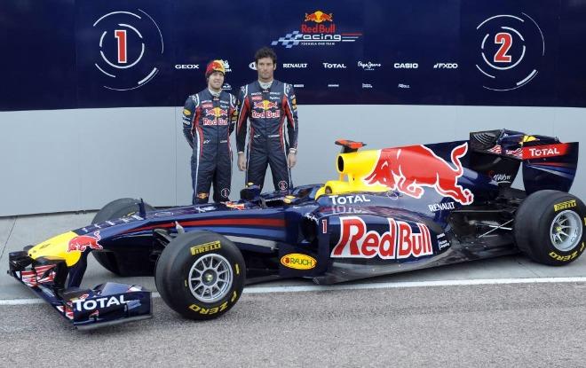 El equipo Red Bull, actual campe�n de constructores y pilotos del Mundial de F1, present� este martes en Cheste el nuevo monoplaza dise�ado por Adrian Newey y que volver�n a pilotar Sebastian Vettel, campe�n de 2010, y Mark Webber