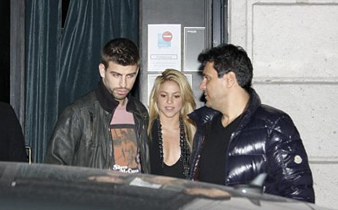 """Piqué y Shakira han hecho un nuevo intento de """"normalizar"""" su relación. Futbolista y cantante se mostraron en público cogidos de la mano después de cenar en un restaurante barcelonés, al que acudieron tras la victoria ante el Athletic."""