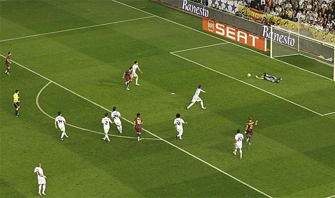 Casillas ha realizado varias paradas providenciales durante la segunda parte del tiempo reglamentario, cuando m�s ha apretado el Bar�a.