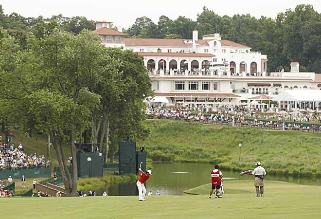 Preciosa perspectiva de la Casa Club del Congressional Country Club en Bethesda.