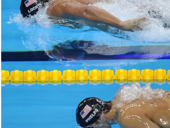 Ésta era la diferencia que sacó Lochte durante la carrera a Phelps. Se puede ver claramente como Lochte dominó la prueba teniendo siempre por detrás a su compatriota.