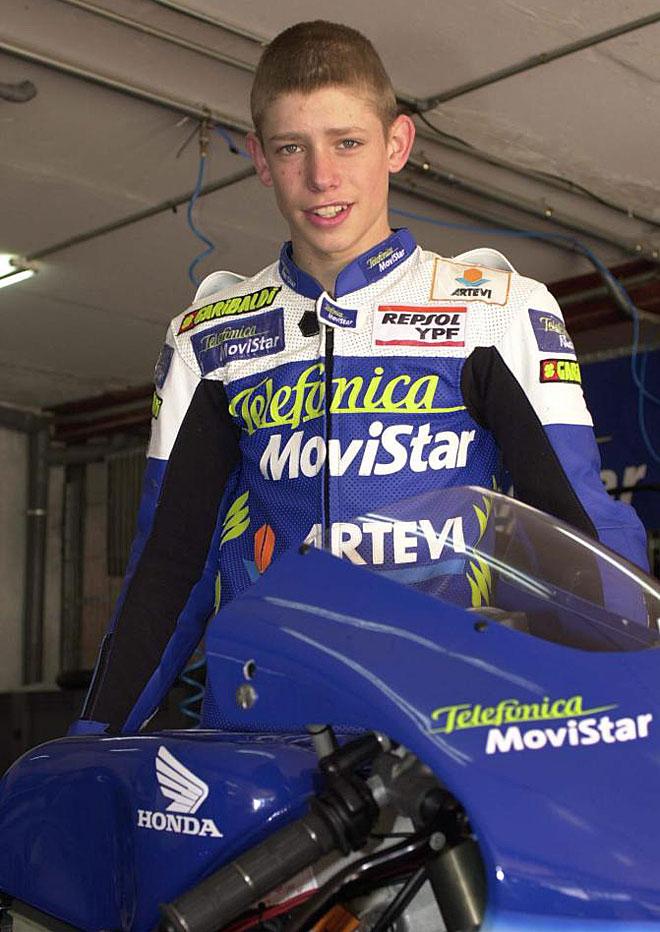 Un jovencísimo Casey Stoner, con los colores de Movistar, en el Campeonato de España de Velocidad de 2001.