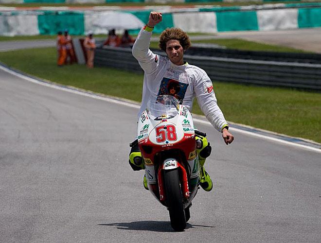 Simoncelli se proclam�en 2008 campe�n del mundo de 250cc precisamente en Sepang, pista donde perdi� la vida.