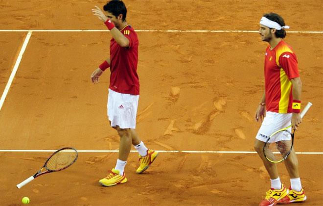 Verdasco y Feliciano estuvieron muy nerviosos durante todo el partido. Lo acab� pagando la raqueta.