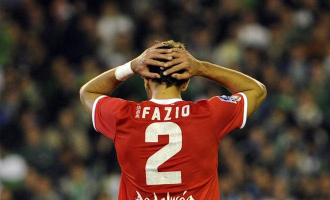 Los sevillistas tuvieron que jugar 20 minutos con diez por la expulsi�n de Fazio.