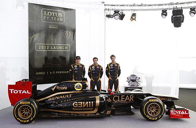 Raikkonen, Grosjean y d'Ambrosio, junto al Lotus E20.