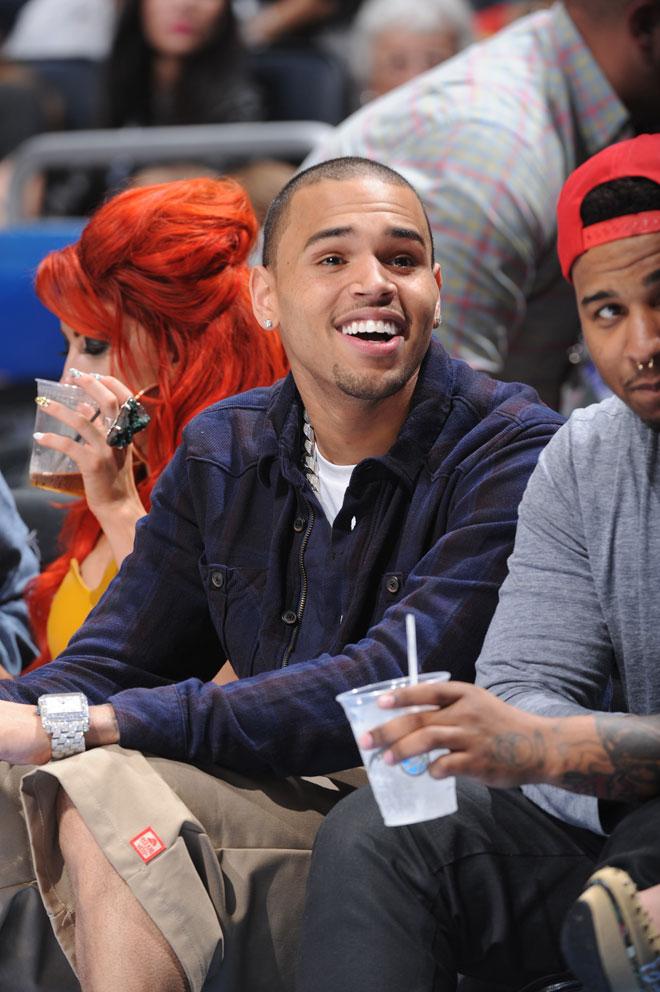 El cantante Chris Brown, ex novio de Rihanna, es uno de los fijos en los grandes eventos de la NBA.