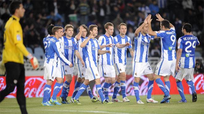 Los jugadores de la Real celebraron muy efusivamente cada gol. Se notaba que necesitaban un triunfo as�.