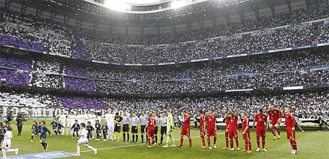 El Santiago Bernab�u present� el aspecto de las mejores noches europeas en la cita entre Madrid y Bayern.