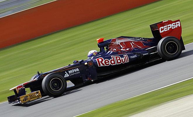 El campe�n del mundo se puso al frente de la tabla de tiempos a los mandos de su Red Bull.