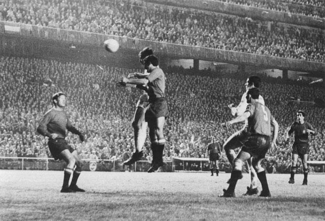 Italia venció tras medirse en la final a Yugoslavia, que derrotó a Inglaterra (vigente campeona del mundo) por 1-0.