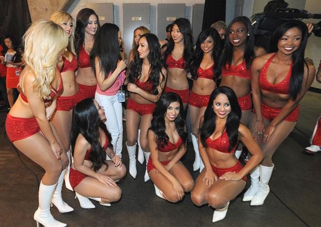 Las cheerleaders de los Clippers se despidieron de los playoffs hasta la temporada que viene.