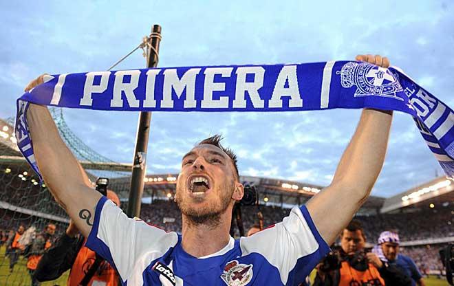 Con sus goles en Tarragona el pasado mi�rcoles y, sobre todo, el de Riazor ante el Huesca, el delantero balear Xisco se ha convertido en el 'talism�n' del ascenso.