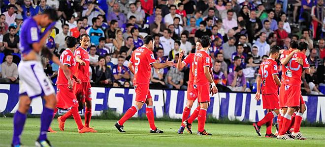 Los c�lticos se impusieron al Guadalajara en un partido interrumpido por un apag�n y finalizado al d�a siguiente.