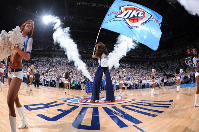 Fiesta en Oklahoma City para celebrar el triunfo de los Thunder en la gran final del Oeste.