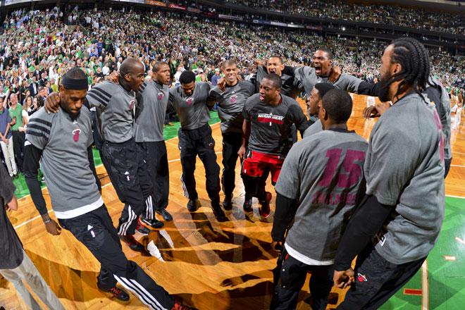 As� se motivaron los Heat para conquistar Boston en el sexto partido de la serie contra los Celtics.