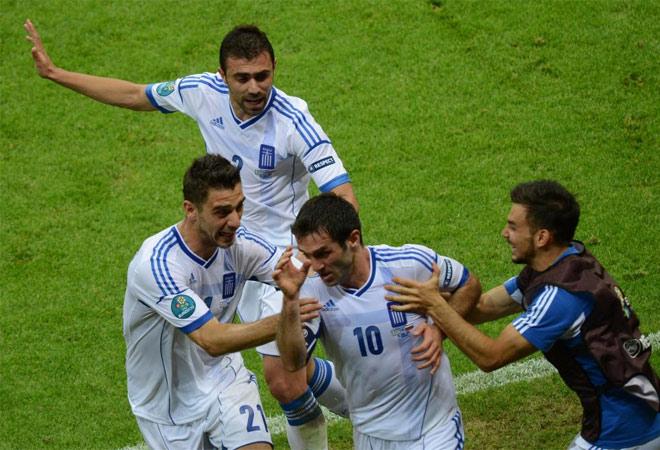 Karagounis marcó el primer gol del partido en el último suspiro de la primera mitad. Rusia se equivocó y luego lo pagó.