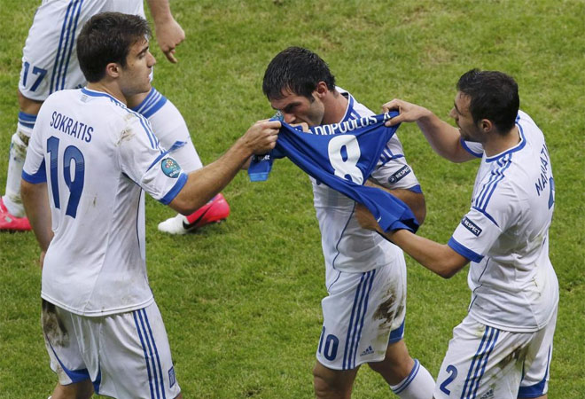 Karagounis le dedicó el tanto a A. Papadopoulos, que se lesionó en el estreno de la Eurocopa.