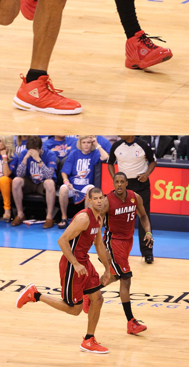 El base de los Heat usa una marca con gran tradici�n en basket, pero nueva en el mundo de las zapatillas. Spalding, que desde esta temporada est� apostando por el calzado adem�s de balones. Su compa�ero Battier, pone la nota ex�tica a las Finales luciendo la marca china Peak.