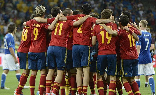 Con un gran partido ante Italia, Espa�a repiti� lo logrado en Viena y en Sud�frica.