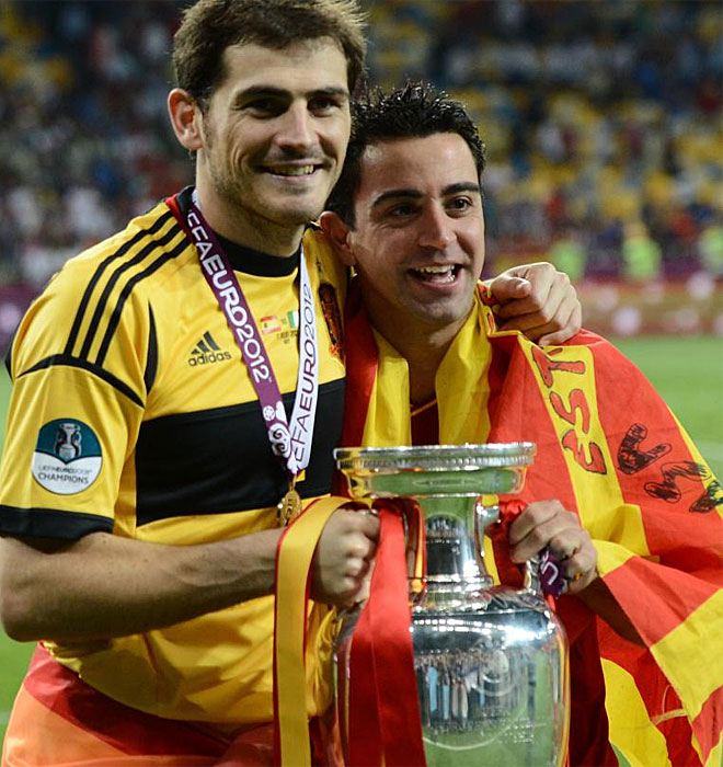Iker y Xavi, dos de los capitanes siguen sumando t�tulos con la Selecci�n.