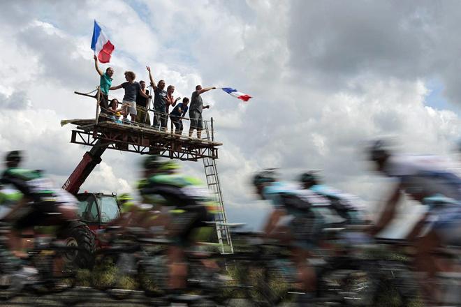 Repasa las instantáneas más espectaculares de la quinta etapa del Tour disputada entre las localidades de Rouen y Saint Quentin.