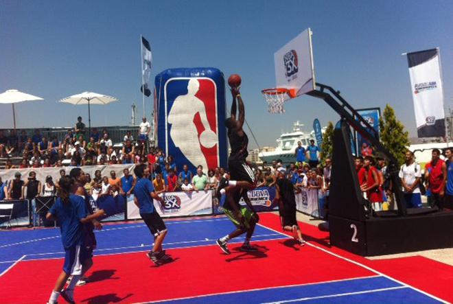El espect�culo y la emoci�n no falt� en la parada del NBA 3x BBVA Tour en la Costa del Sol.