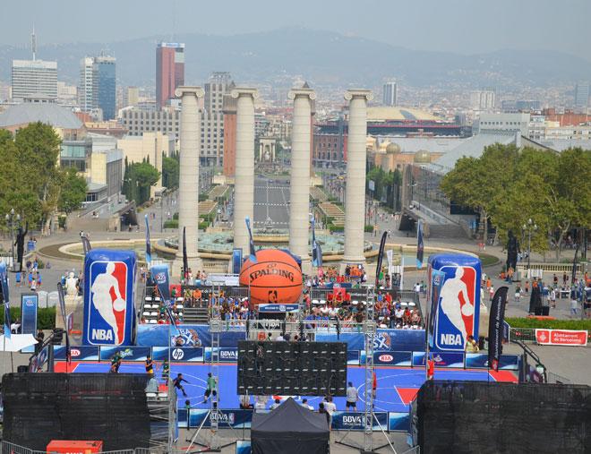 La NBA lleg� a Barcelona con un evento exclusivamente para las jugadoras femeninas a partir de los 17 a�os como parte del compromiso de la NBA con el baloncesto femenino. Un total de m�s de 150 equipos y 500 participantes.