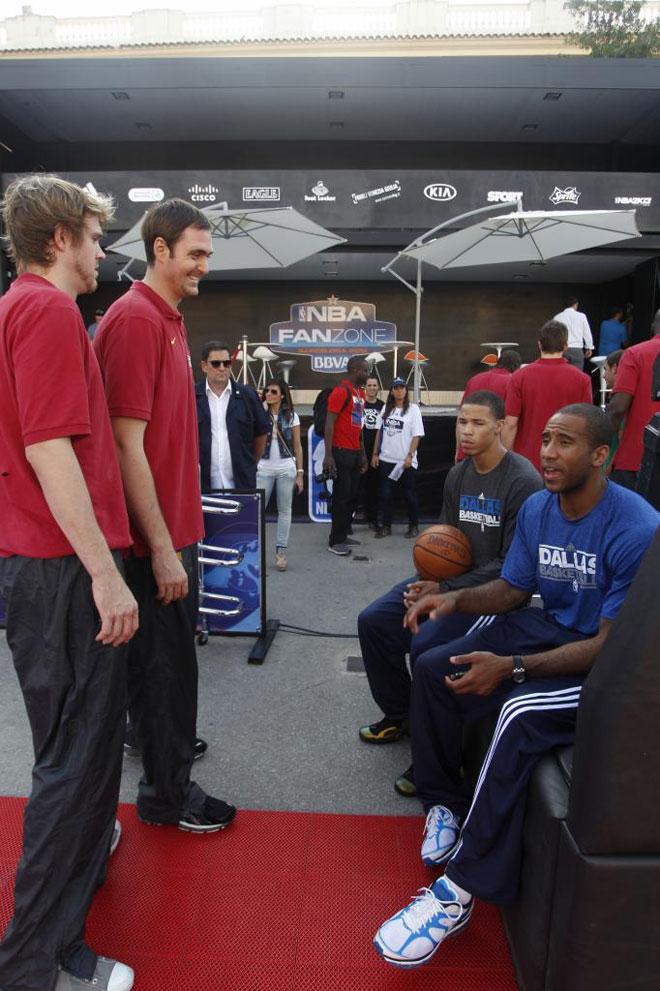 NBA Europe Live 2012 presentado por BBVA ha conquistado barcelona con el NBA Fan Zone organizado por Adidas en la Avenida Reina Maria Cristina.