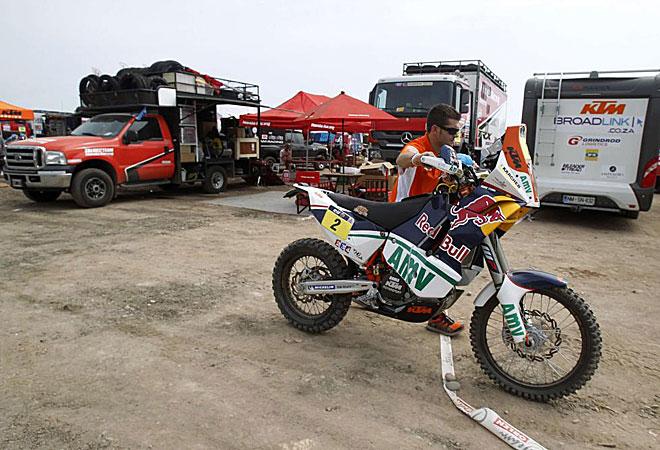 La moto de Marc Coma está en Lima, aunque no tomará la salida por la inoportuna retirada antes de tiempo del campeón español.