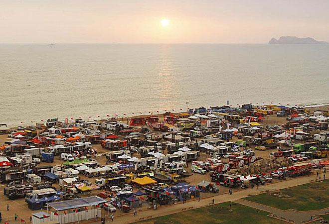 El Dakar ya está calentando motores sobre la playa de la Magdalena de Lima, donde comenzará la prueba el próximo 5 de enero.